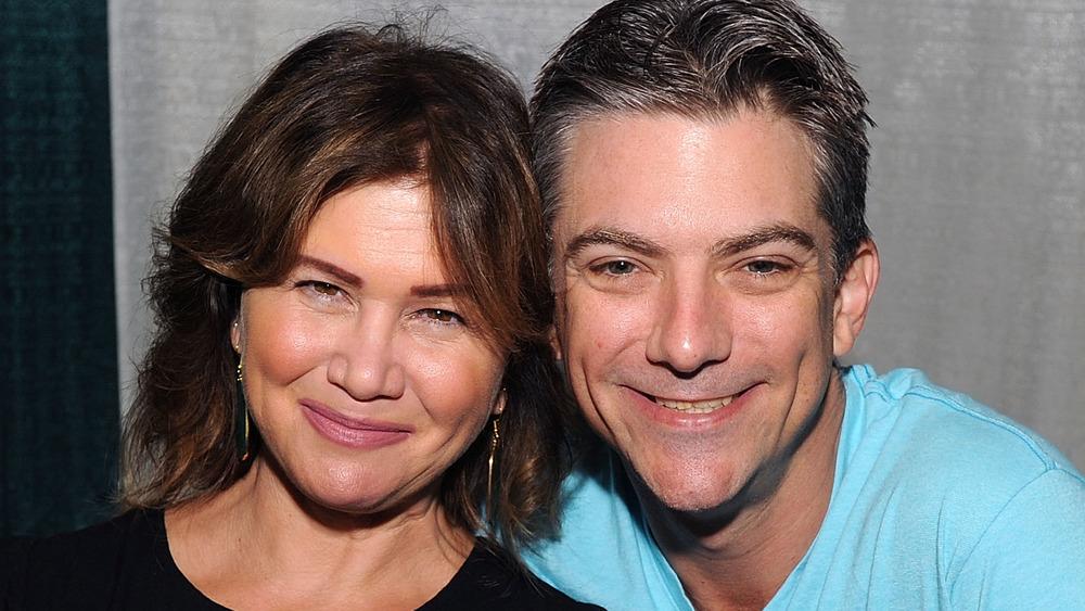 Jeremy Miller y Tracey Gold sonriendo