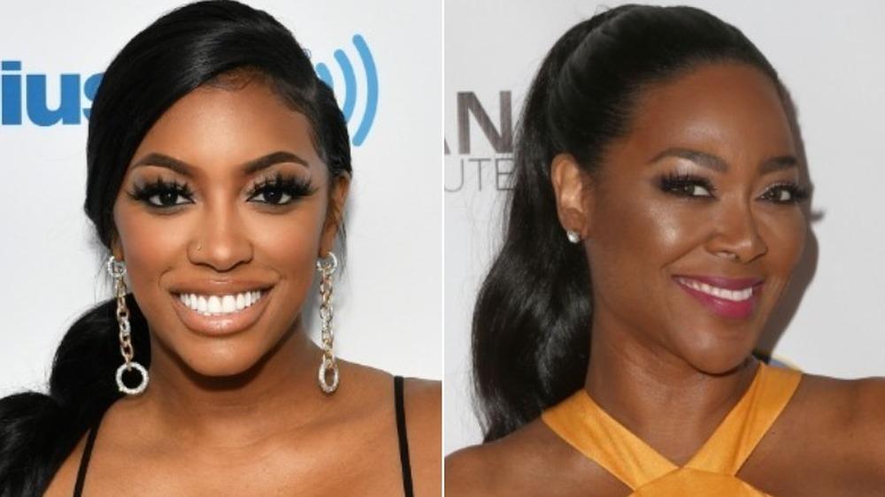 Porsha Williams sonriendo (izquierda), Kenya Moore sonriendo (derecha)