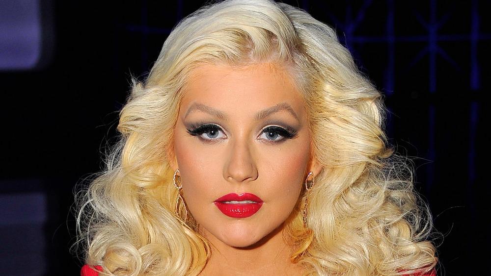Christina Aguilera con expresión seria