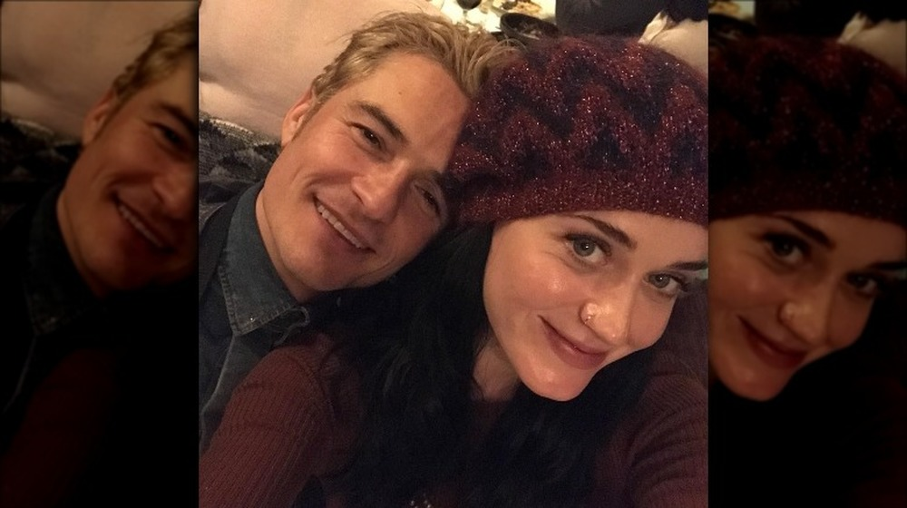 Orlando Bloom y Katy Perry selfie posando juntos