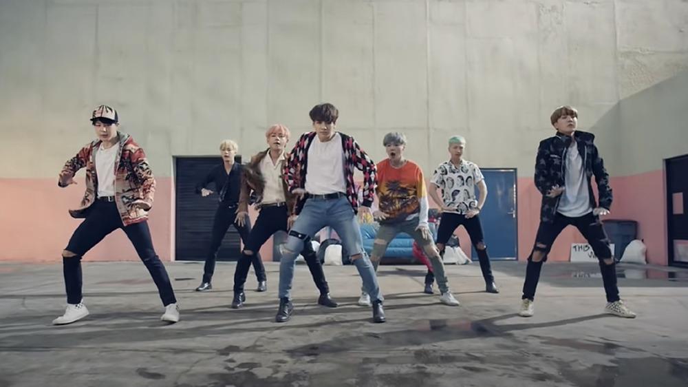 BTS en su video de Fire