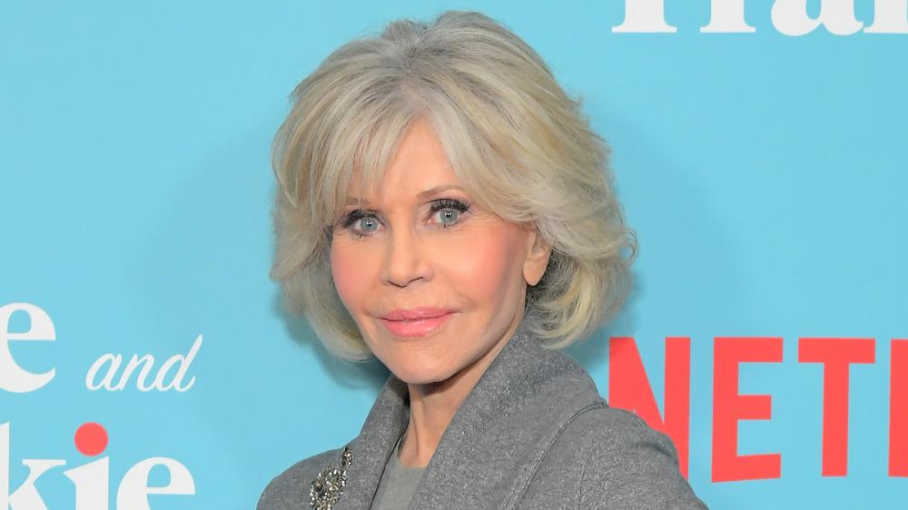 Jane Fonda sonriendo en la proyección de Grace and Frankie Season 6 en 2020