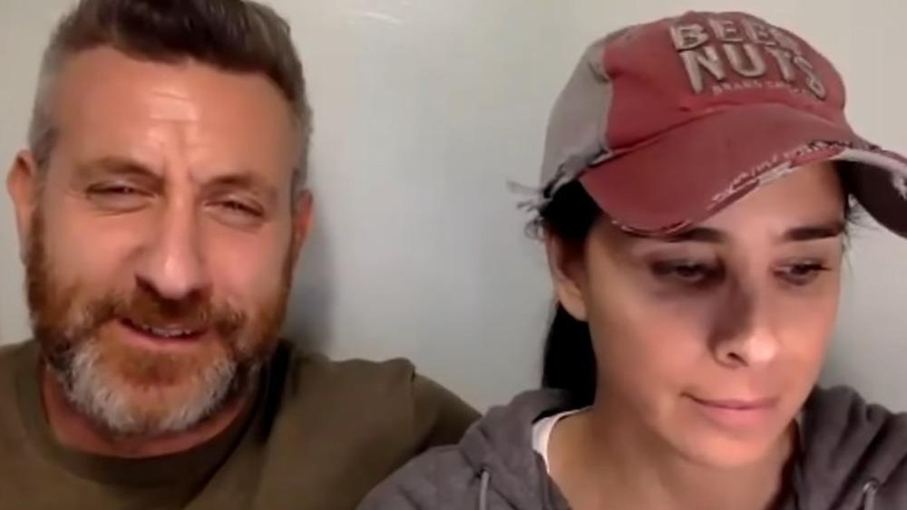 Rory Albanese y Sarah Silverman reaccionan en el podcast