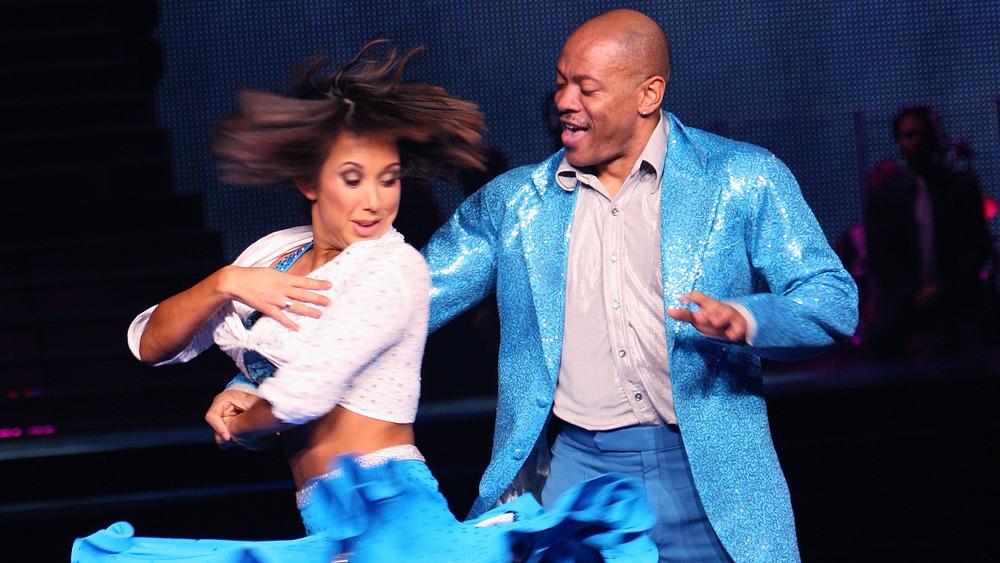 Cheryl Burke y Maurice Greene compitiendo en Dancing With The Stars