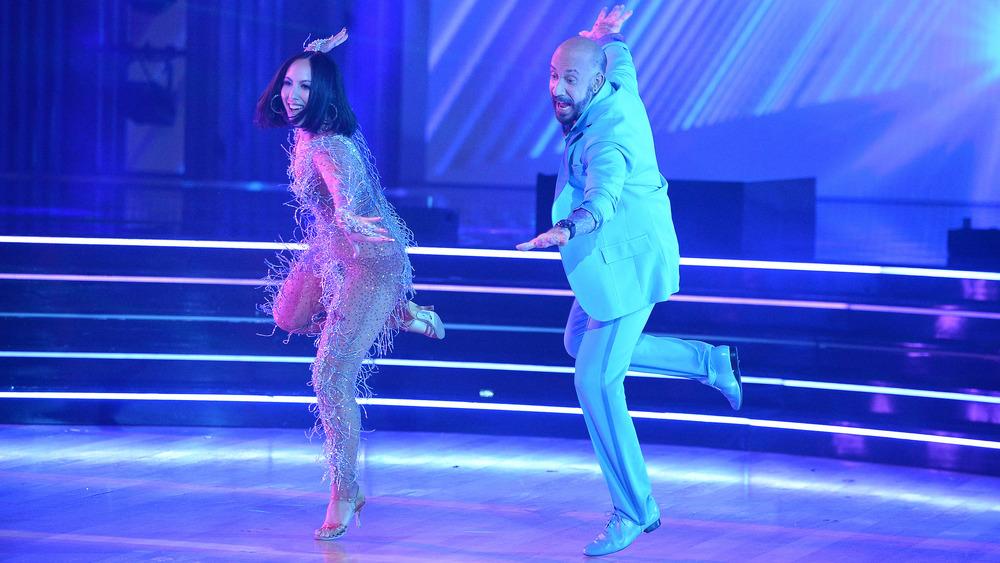 Cheryl Burke y AJ McLean bailando