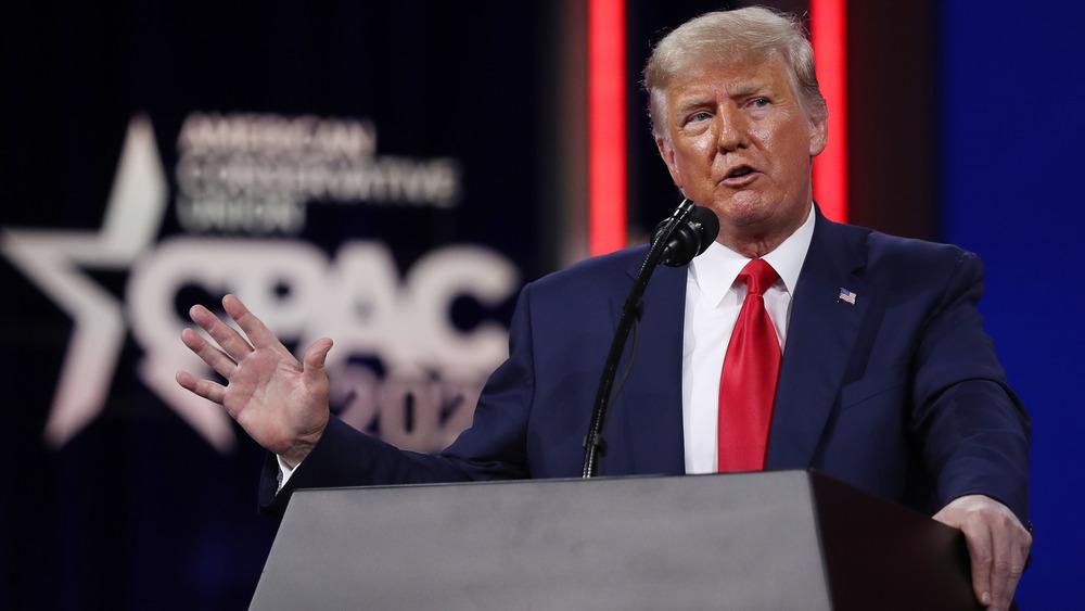 Donald Trump hablando en la Conferencia de Acción Política Conservadora