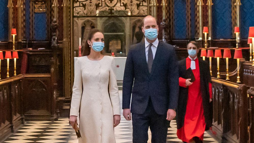 Kate Middleton y el príncipe William en el centro de vacunación de la Abadía de Westminster
