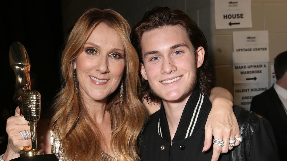 Celine Dion y René-Charles Angélil posando juntos en Las Vegas