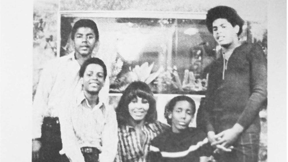 Tina Turner y sus cuatro hijos