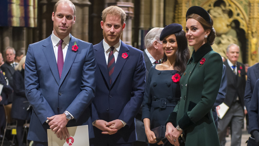 El príncipe Willliam, el príncipe Harry, Meghan Markle y Kate Middleton en un evento