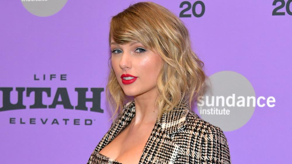 Taylor Swift sonriendo
