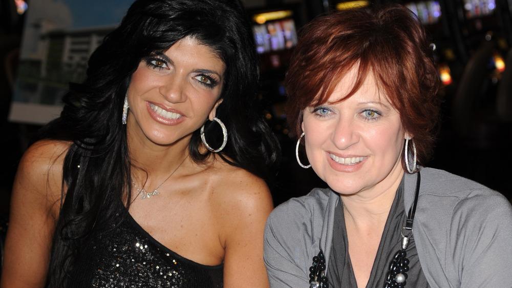 Teresa Giudice y Caroline Manzo sonriendo