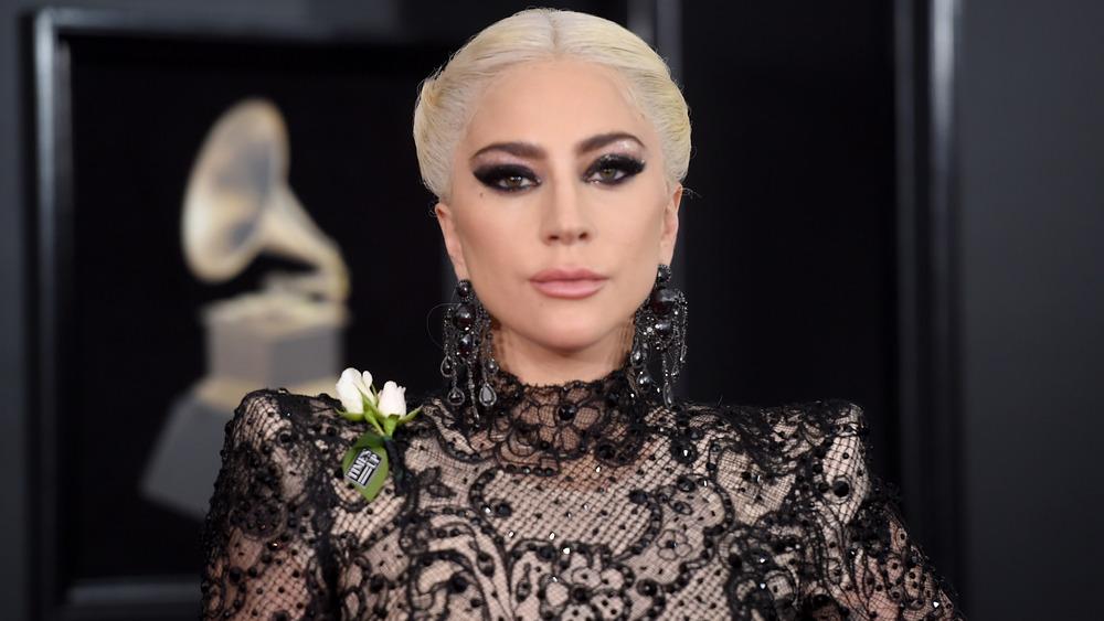 Vestido de encaje Lady Gaga