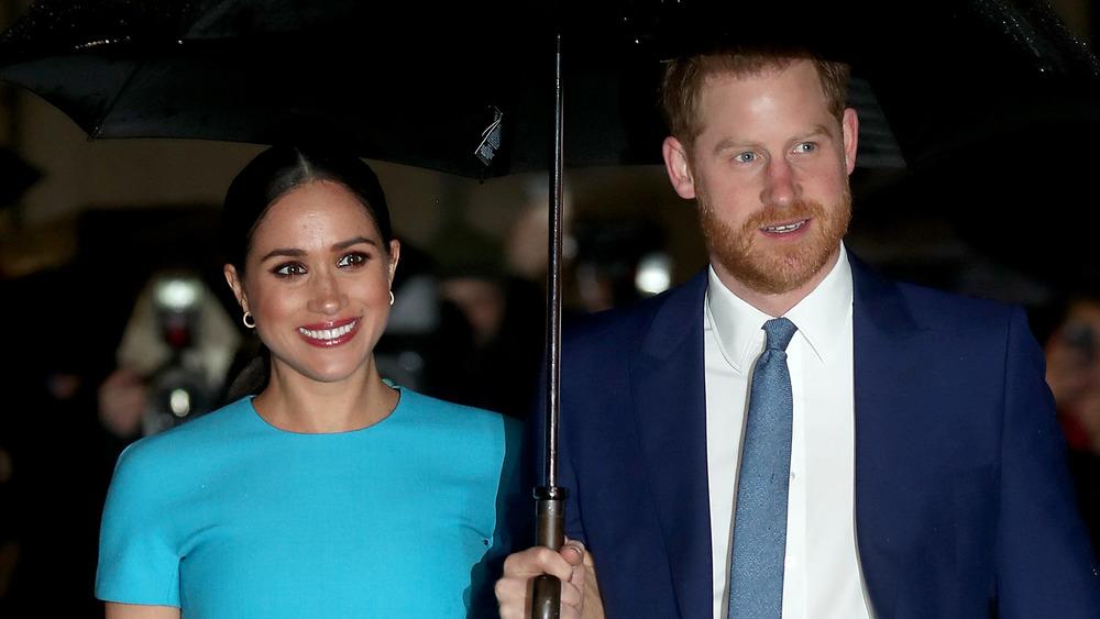 Meghan Markle y el príncipe Harry sonriendo