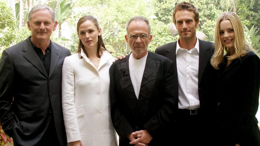 Michvael Vartan y el elenco de Alias