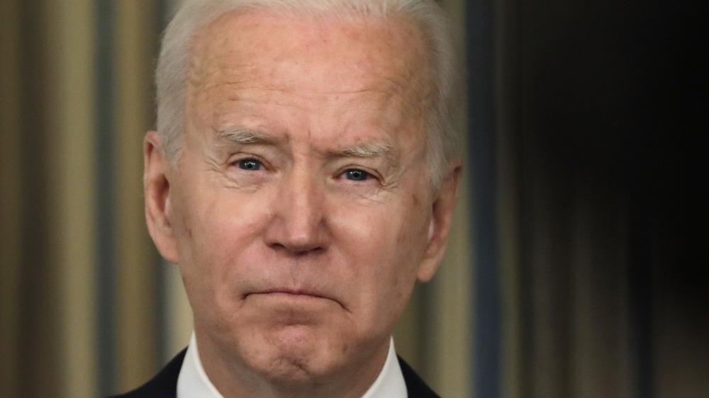 Joe Biden hablando sobre la implementación del Plan de Rescate Americano