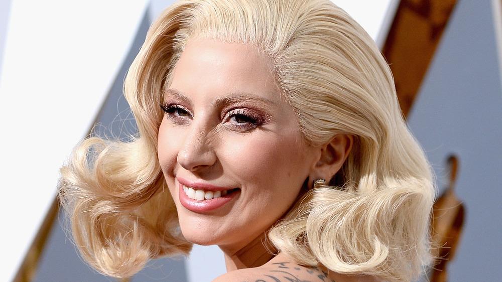Lady Gaga en la alfombra roja