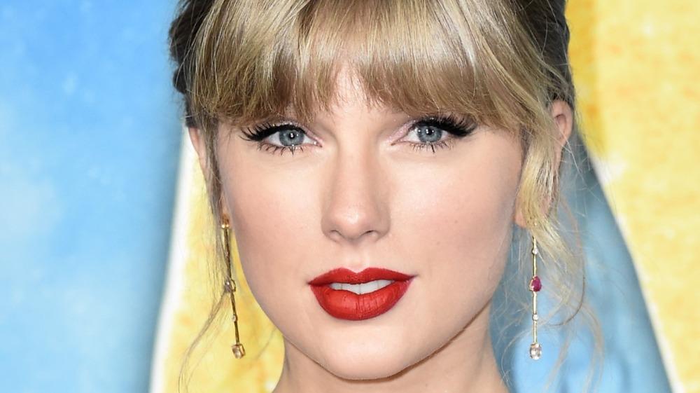 """Taylor Swift asiste al estreno mundial de """"Cats"""" en el Lincoln Center 2019"""