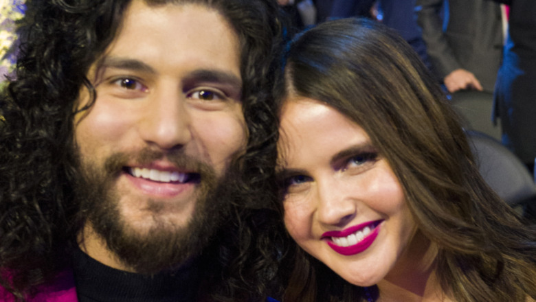 Dan Smyers y Abby Law asisten a los Grammy