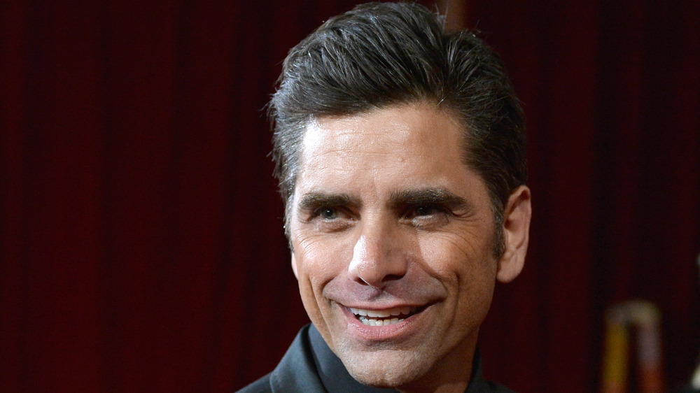 John Stamos alfombra roja Hollywood
