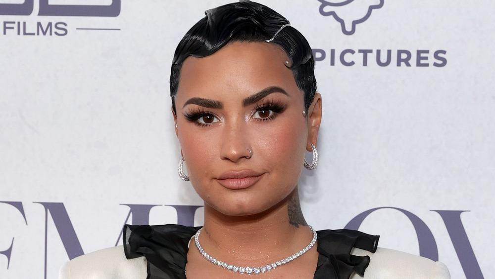 Demi Lovato posa en un evento para promocionar su serie documental