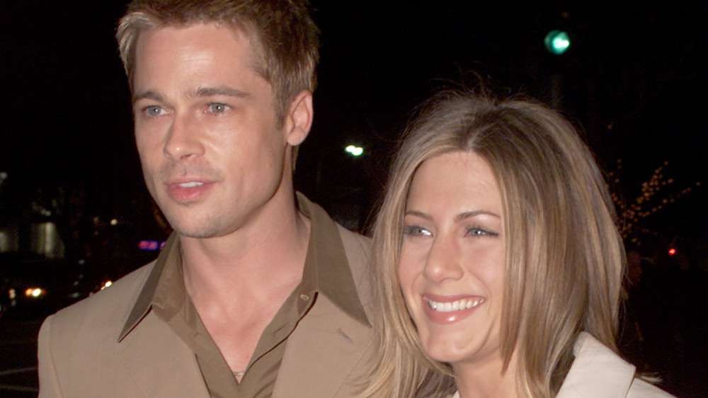 Brad Pitt y Jennifer Aniston sonriendo