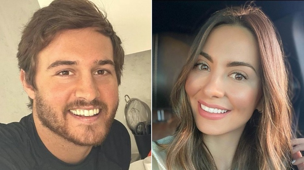 Peter Weber posa para una selfie y Kelley Flanagan posa para una selfie