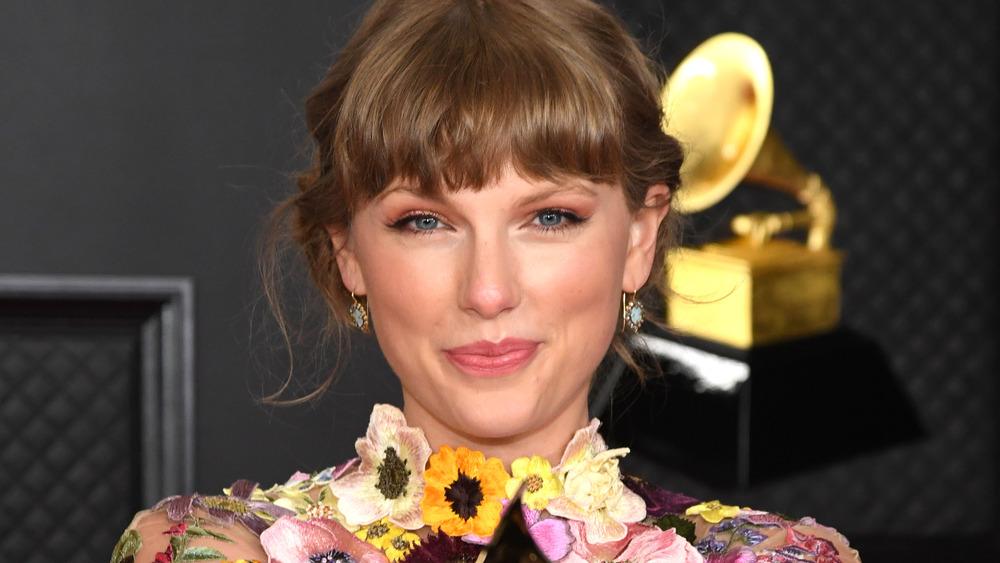Taylor Swift, ganador del Álbum del año por 'Folklore' el 14 de marzo de 2021
