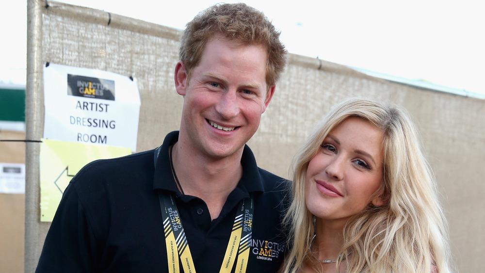 El príncipe Harry con Ellie Goulding posando