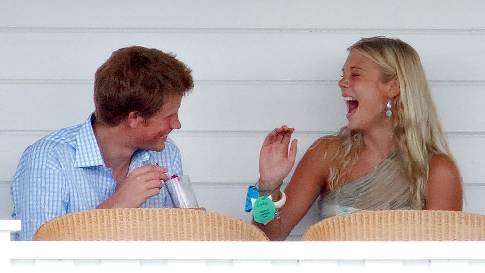 El príncipe Harry y Chelsy riendo