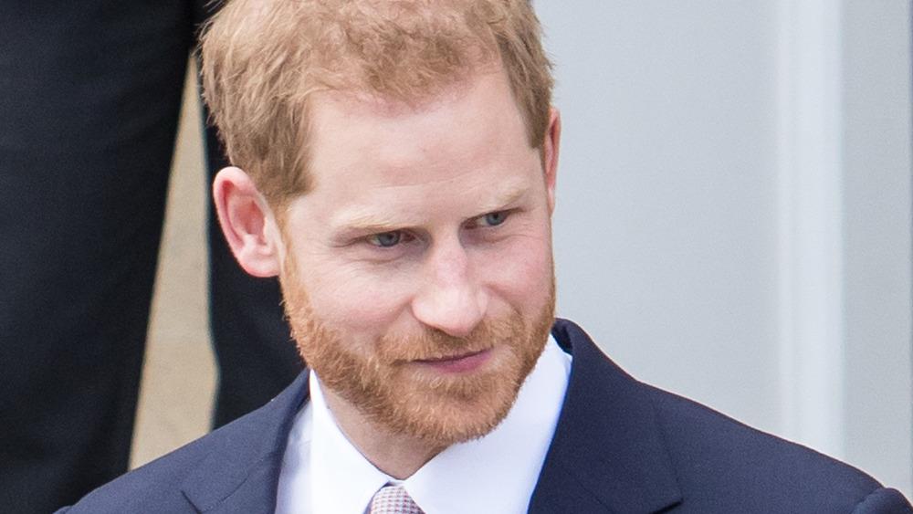 Traje de príncipe Harry