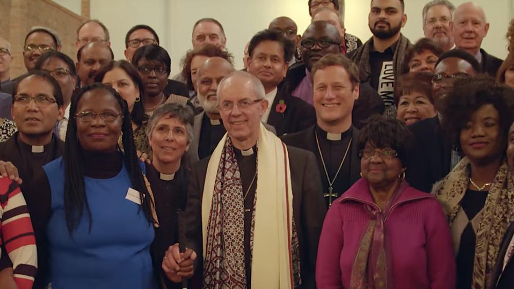 El arzobispo de Canterbury Justin Welby posando en un grupo