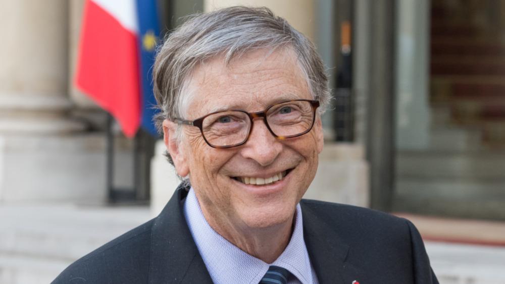 Bill Gates posando para un retrato