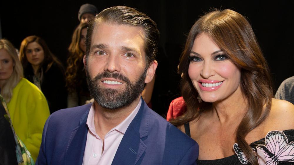 Kimberly Guilfoyle y Donald Trump Jr.