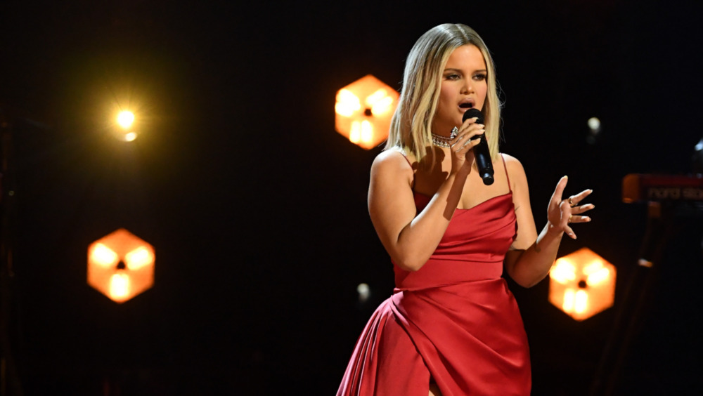 Maren Morris en los Grammy 2021