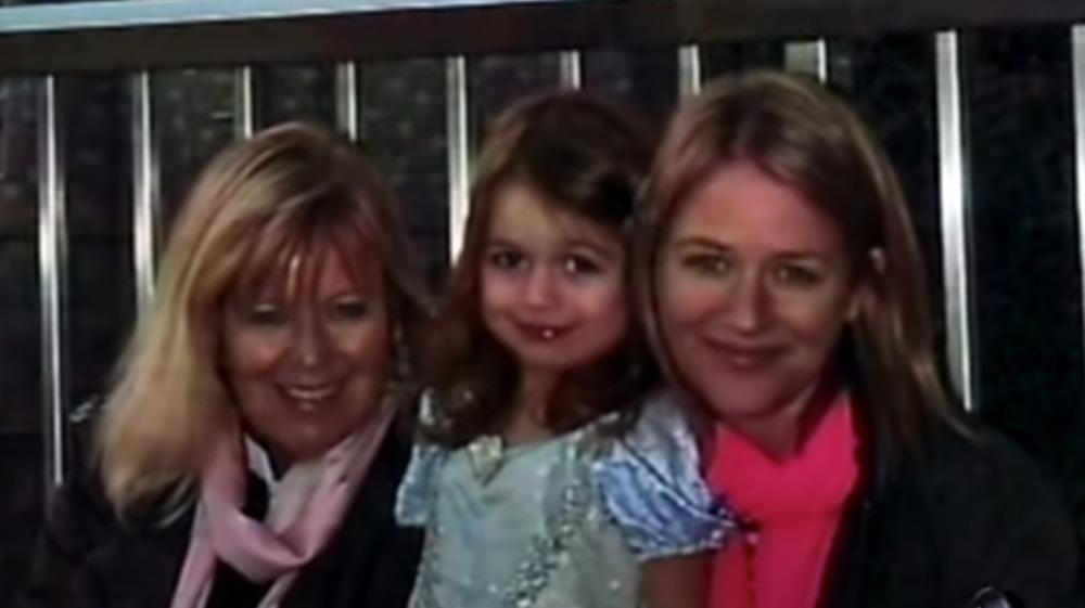 Esposa de Bernie Madoff con nieta y nuera