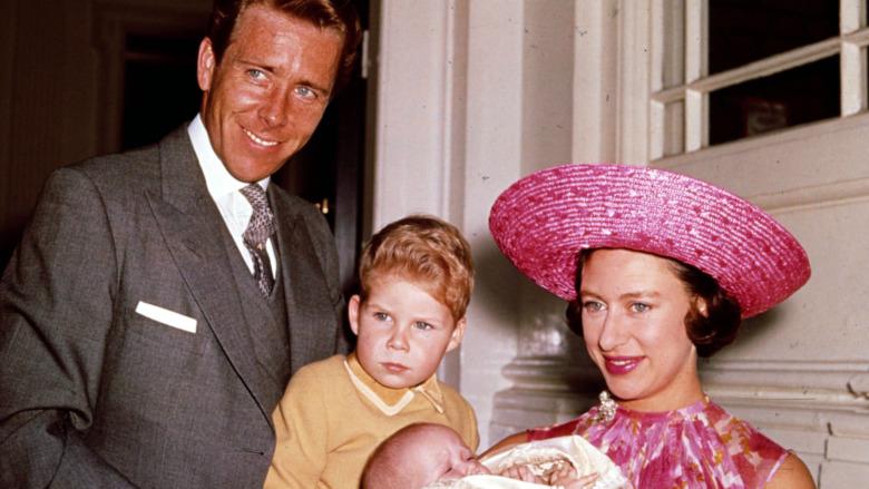 Antony-Armstrong Jones, David Linley, Princess Margaret sonriendo