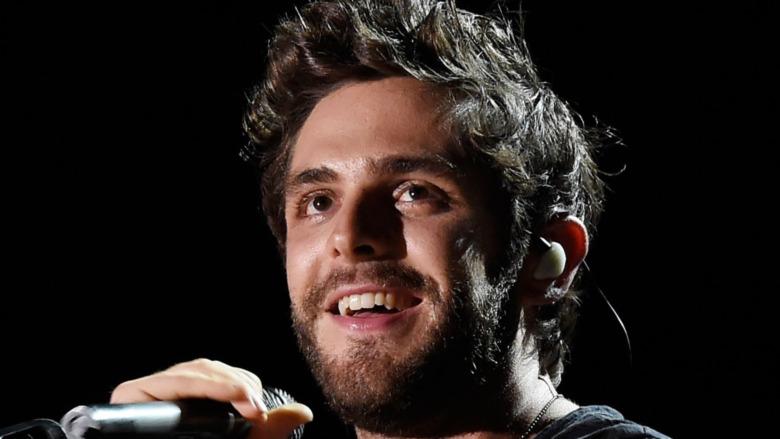 Thomas Rhett sonriendo