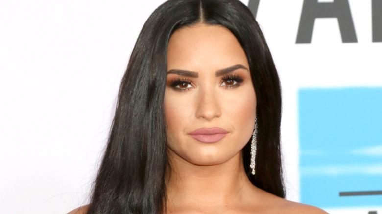 Demi Lovato en la alfombra roja