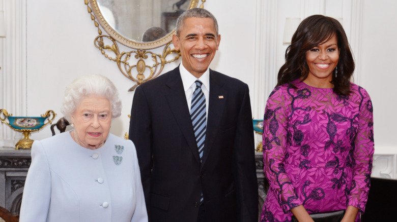 Barack y Michelle Obama con la reina Isabel