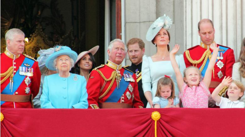 Familia Real en el balcón del Palacio de Buckingham