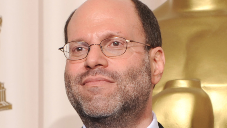 Scott Rudin con gafas