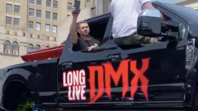 """El ataúd del fallecido ícono del rap DMX transportado en un camión monstruo """"Long Live DMX"""""""