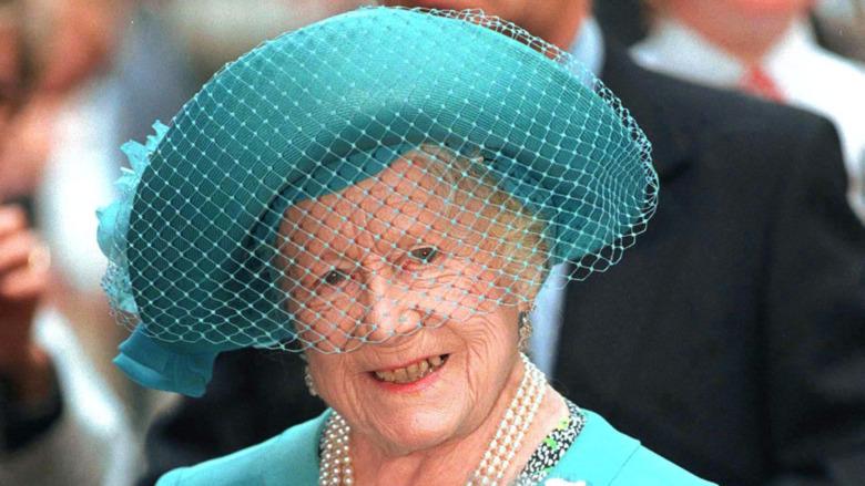 Sombrero verde reina madre