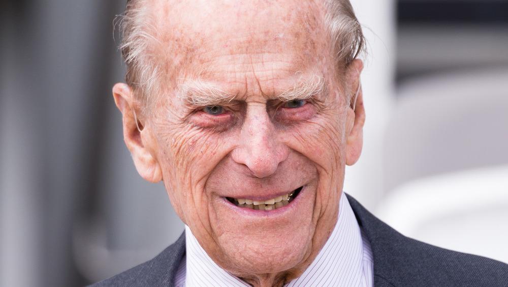 El duque de Edimburgo asistiendo a un evento