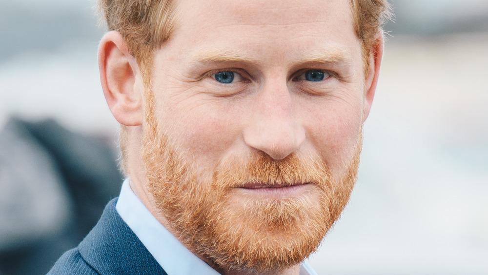 El príncipe Harry cerró la boca