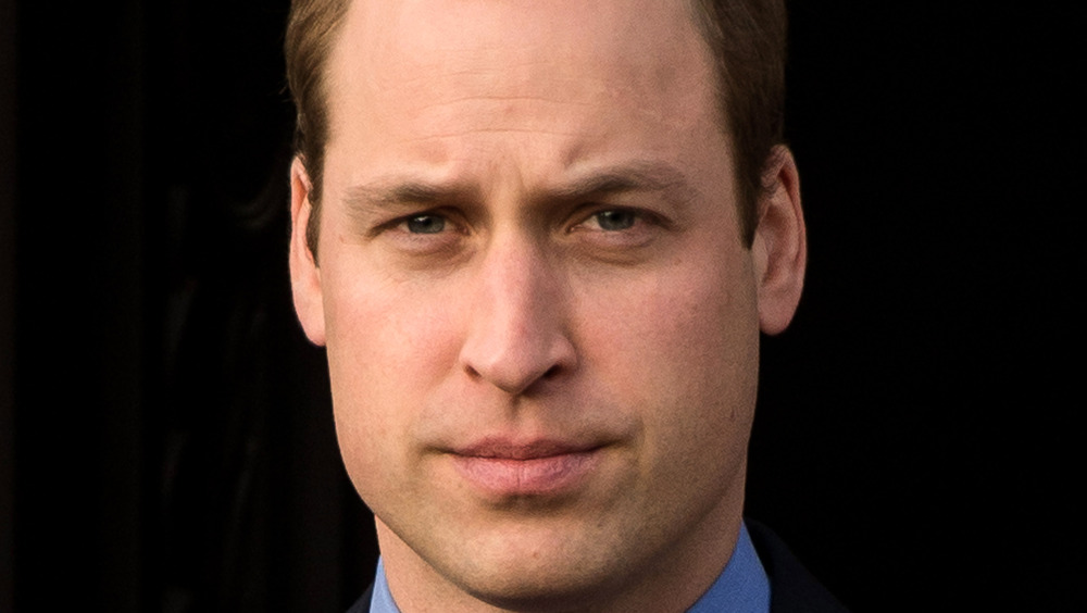 El príncipe William frunció el ceño