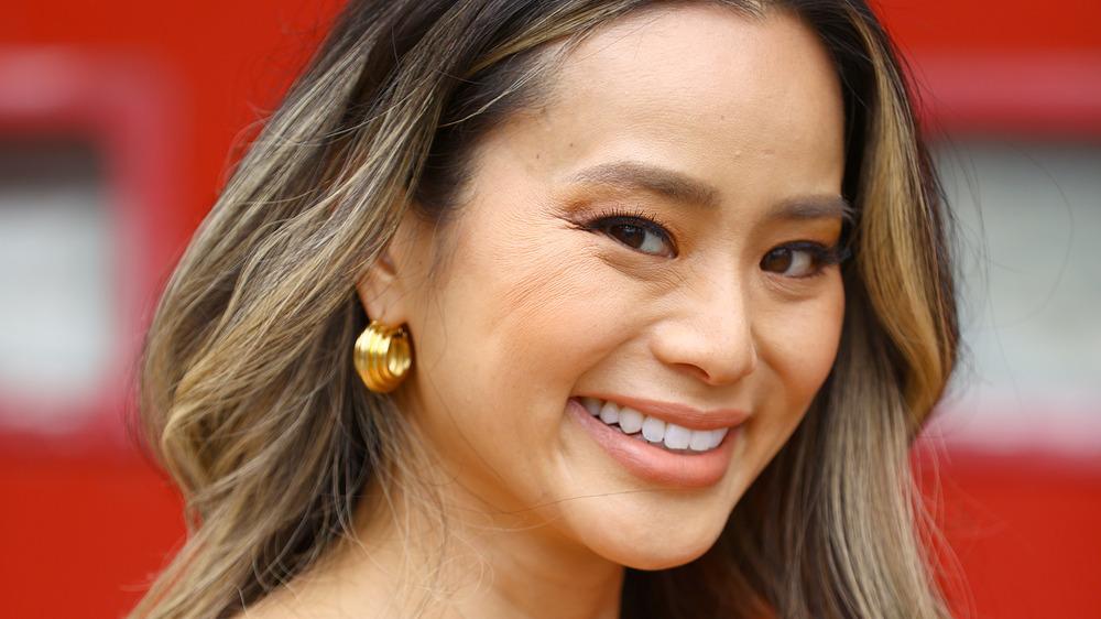 Jamie Chung sonriendo