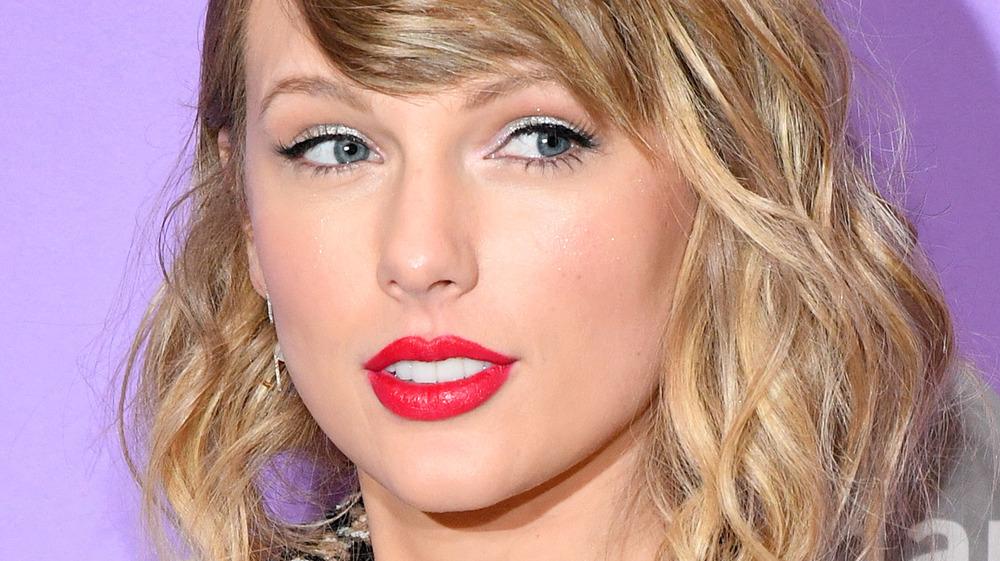 Taylor Swift en la alfombra roja