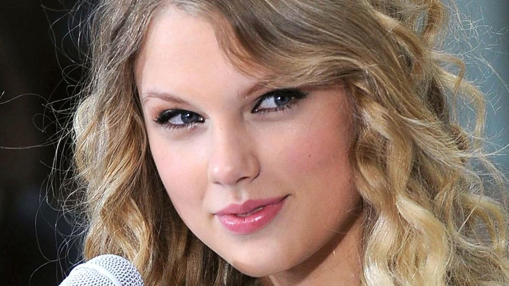 Taylor Swift durante una actuación